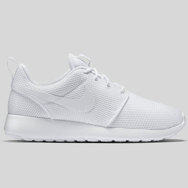 reputable site 5a619 1b7ee Nike Wmns Roshe One Triple White