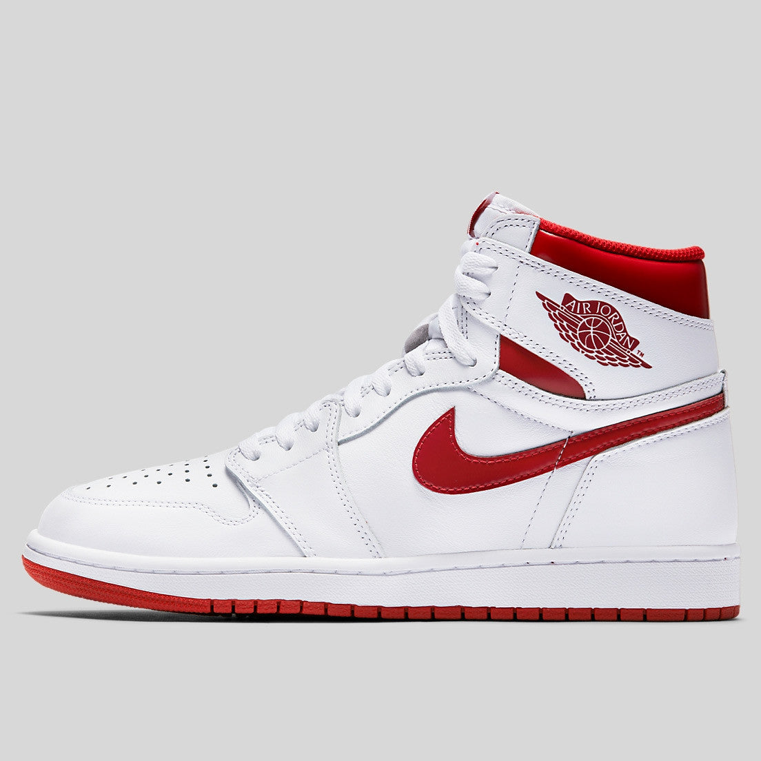 726e3debba0b Nike Air Jordan 1 Retro High OG White Metallic Red (555088-103 ...