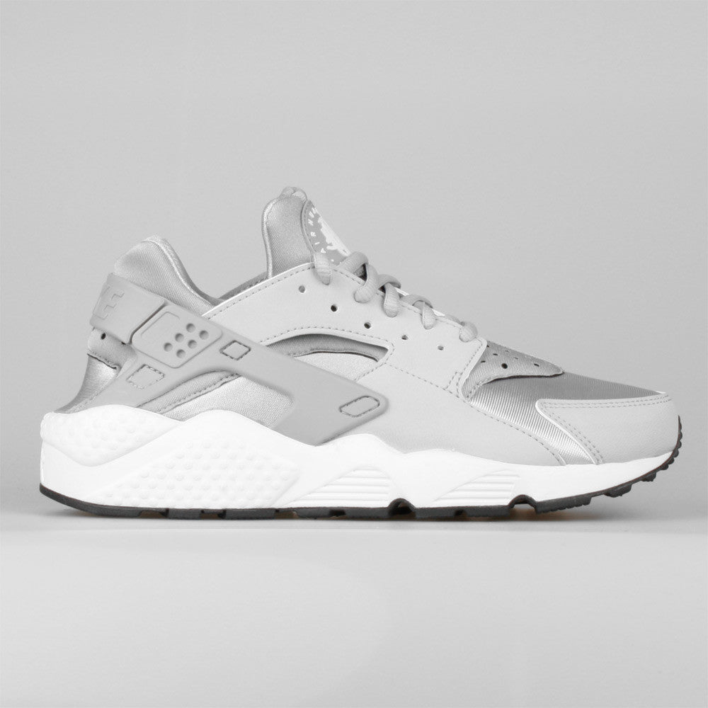 quality design 58615 a2426 Nike Wmns Air Huarache Run Metallic Silver Wolf Grey