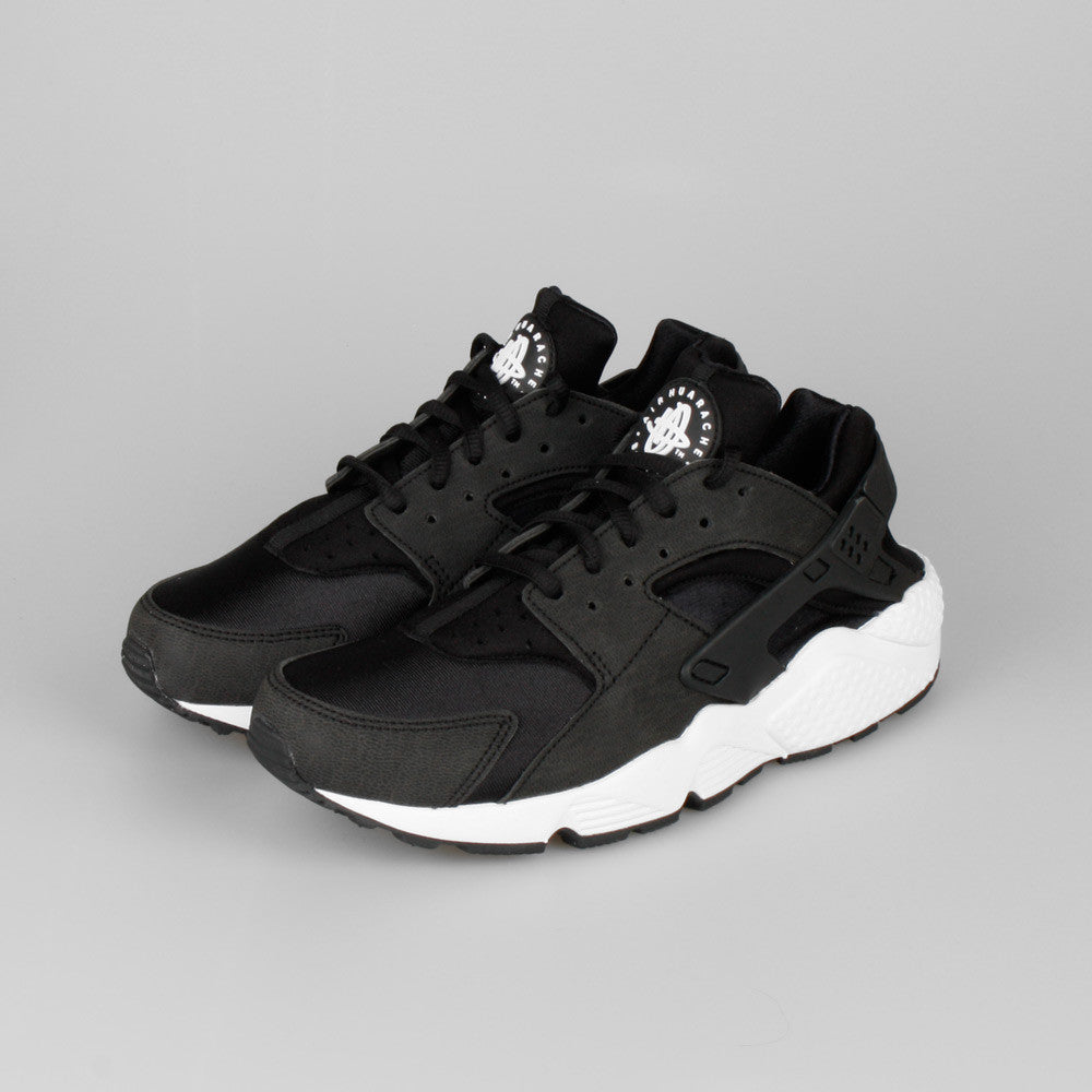 Air Huaraches Black And White