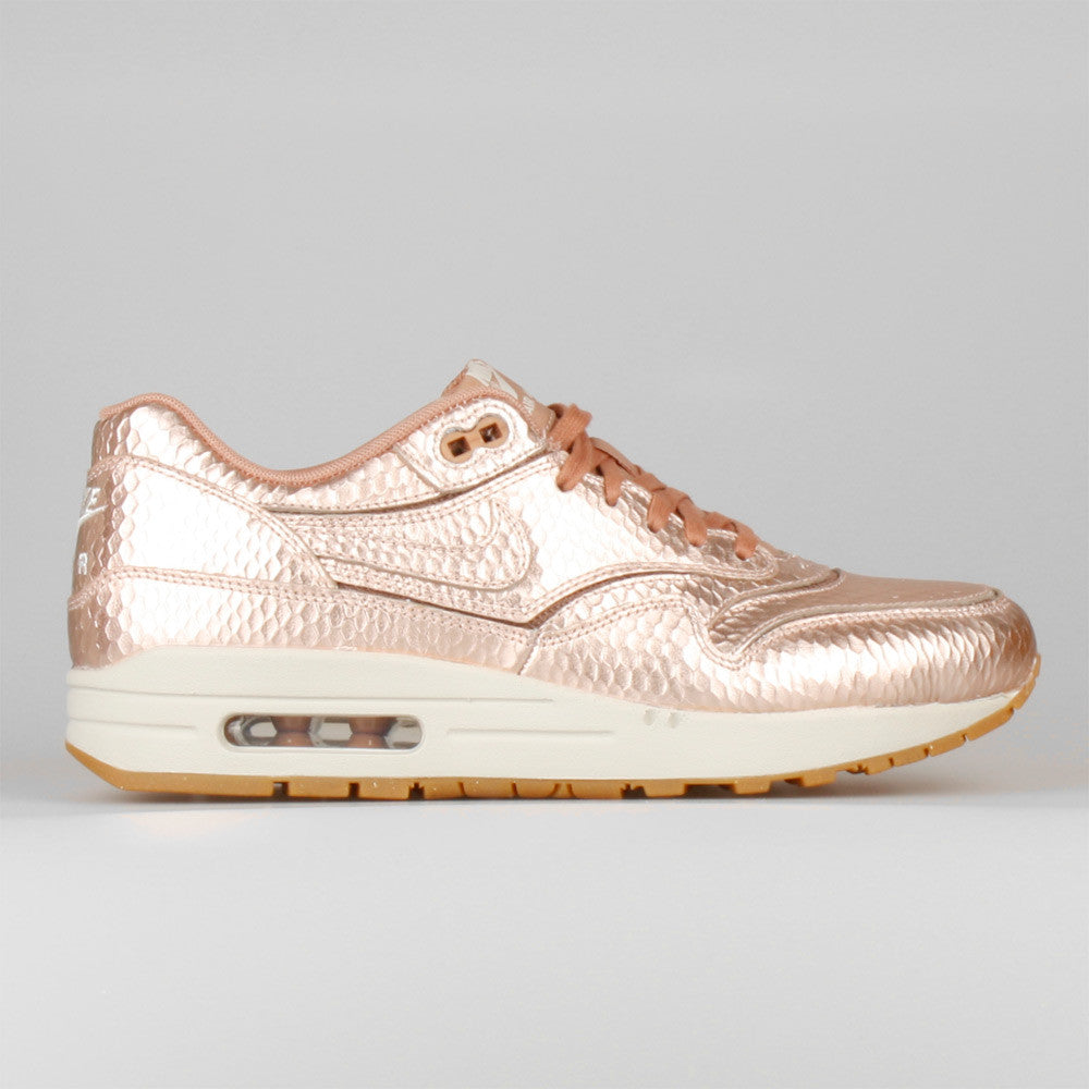 nike wmns air max 1 cut out metallic red bronze nhs. Black Bedroom Furniture Sets. Home Design Ideas