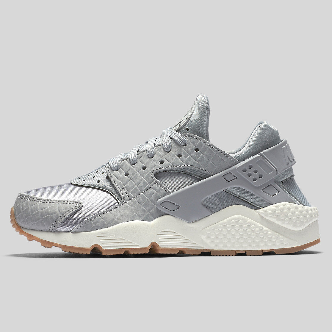 659f40e5edfe Nike Wmns Air Huarache Run PRM Wolf Grey Sail Gum Med Brown (683818-012