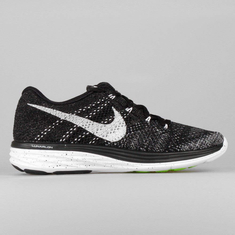 huge selection of 90890 69ef3 Nike Wmns Flyknit Lunar3 Oreo