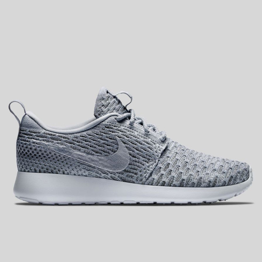purchase cheap 08afc e6ff7 Nike Wmns Roshe One Flyknit Wolf Grey Pure Platinum (704927-002)