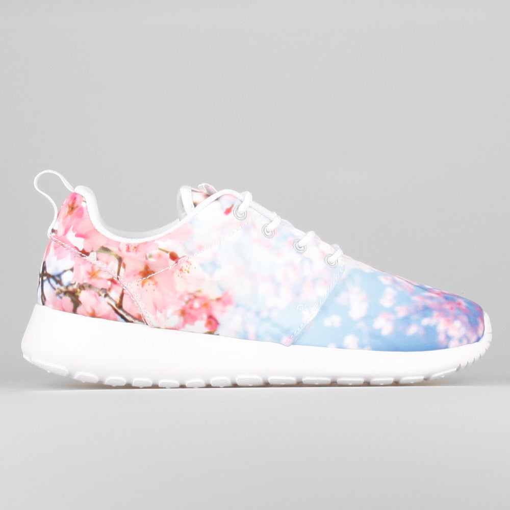 nike wmns roshe one cherry bls cherry blossom 819960 100. Black Bedroom Furniture Sets. Home Design Ideas