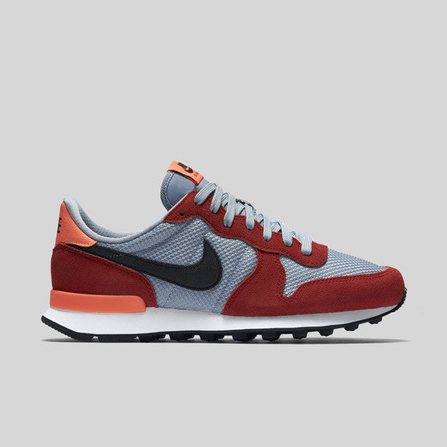 Nike Wmns Internationalist University Red Black Blue Grey (828407-605)