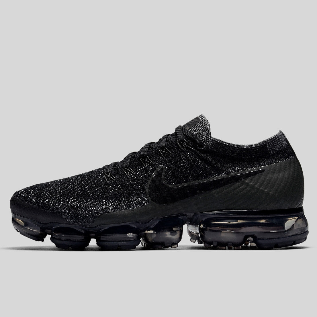 4b23e6f4924b2 Nike Air Vapormax Flyknit Triple Black (849558-007)