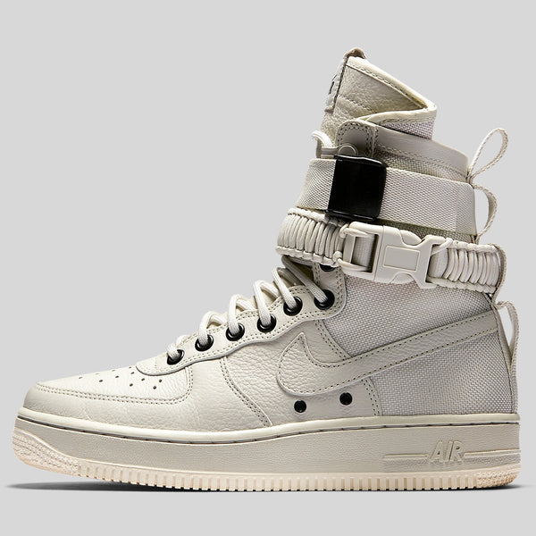 084ea2fd6a495 Nike Wmns SF AF1 Special Field Air Force 1 Light Bone Sail (857872 ...