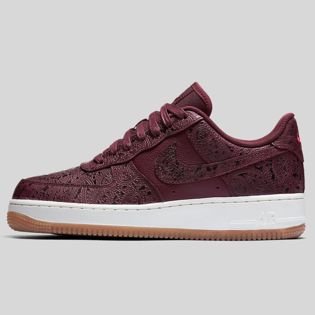 nike air force 1 trainers in night maroon and sail