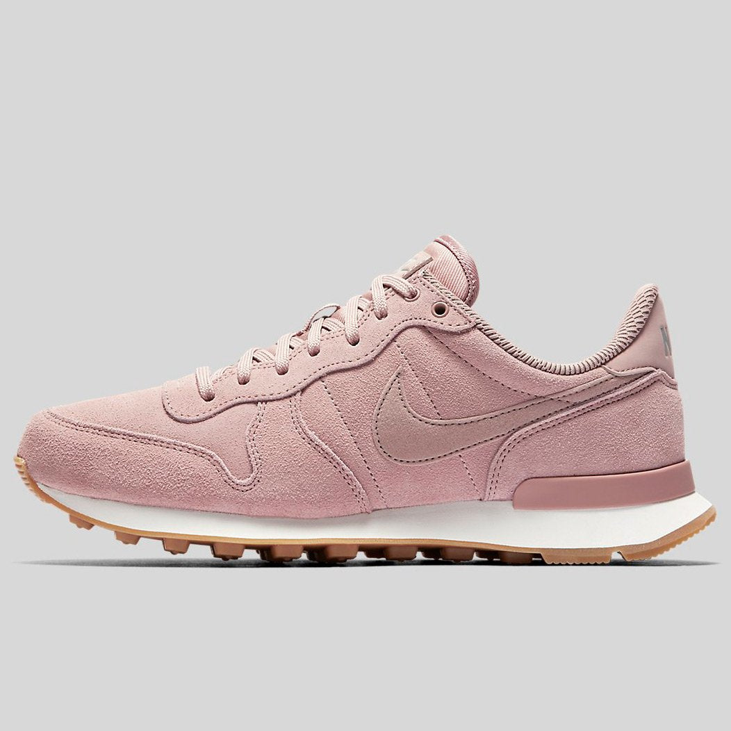 on sale 3a6be 23b0e ... new style nike wmns internationalist se particle pink particle pink  pale grey 872922 601 50055 22a4b