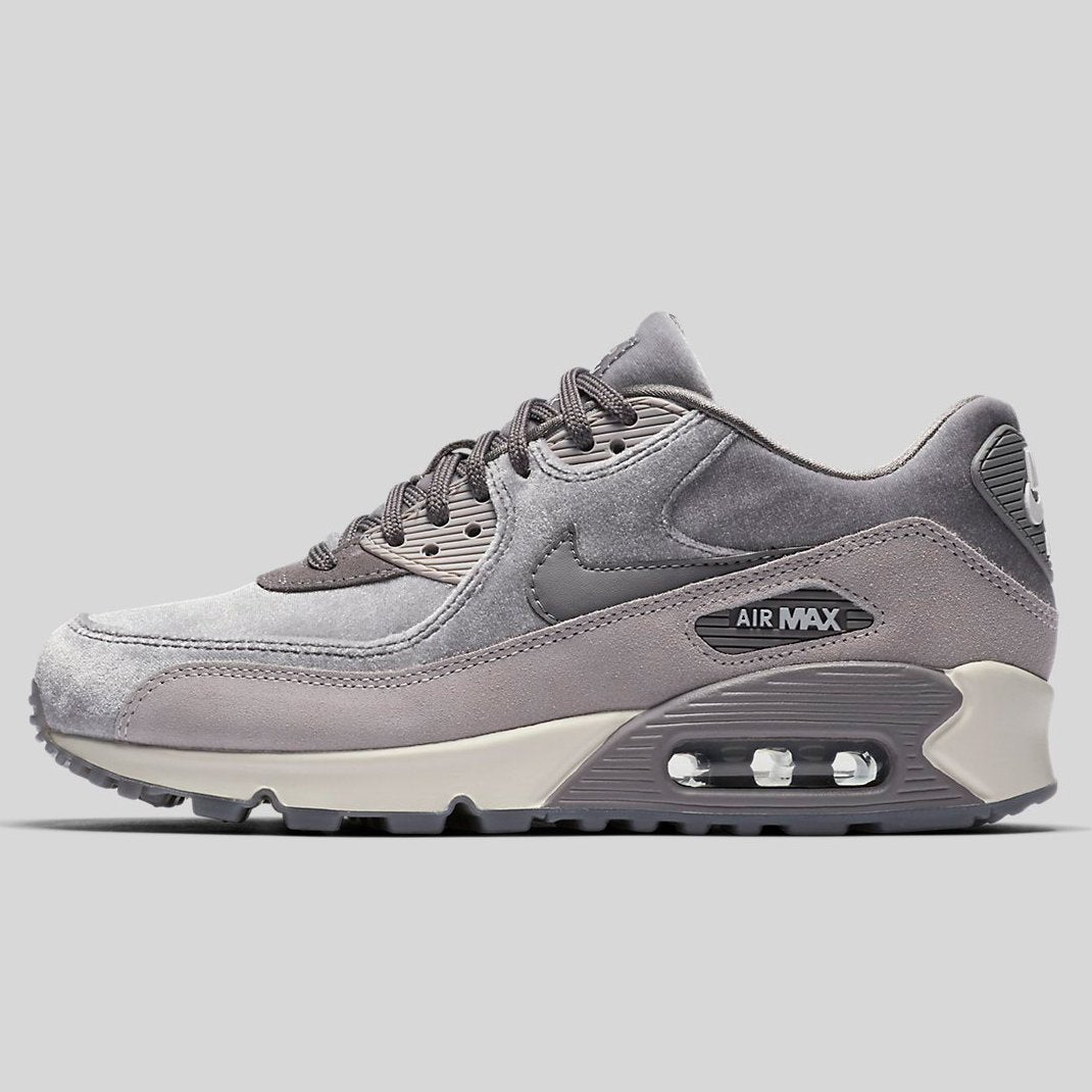 Nike AIR MAX 90 LX Gunsmoke Gunsmoke Atmosphere Grey (898512-007)