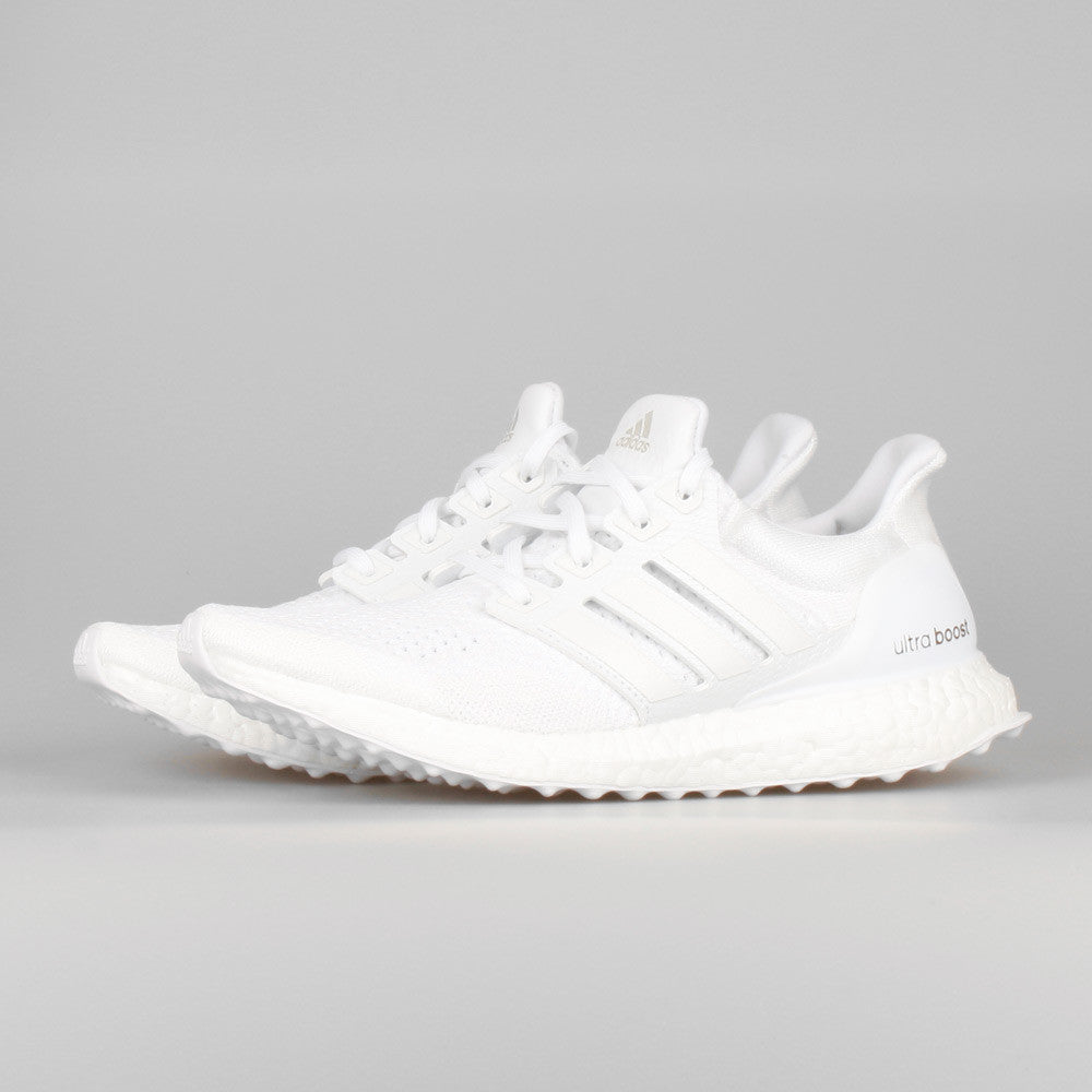 e722cf889 Adidas Ultra Boost Triple White Womens Adidasoutlettrainers.co.uk
