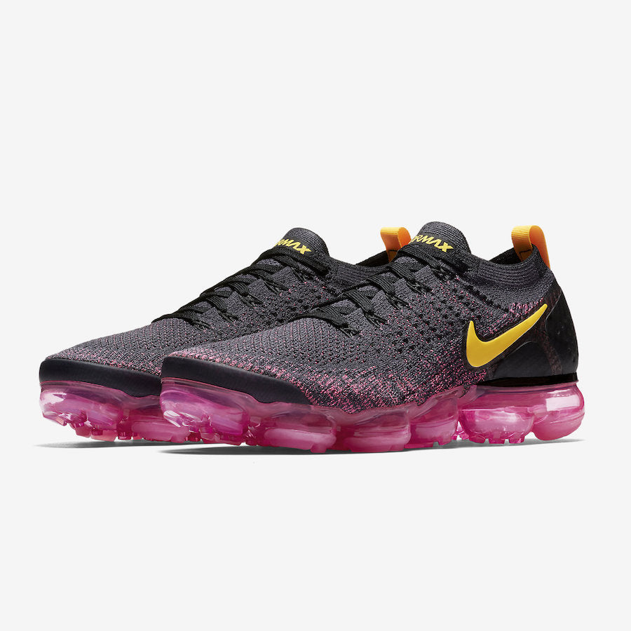 nike vapormax flyknit black and pink