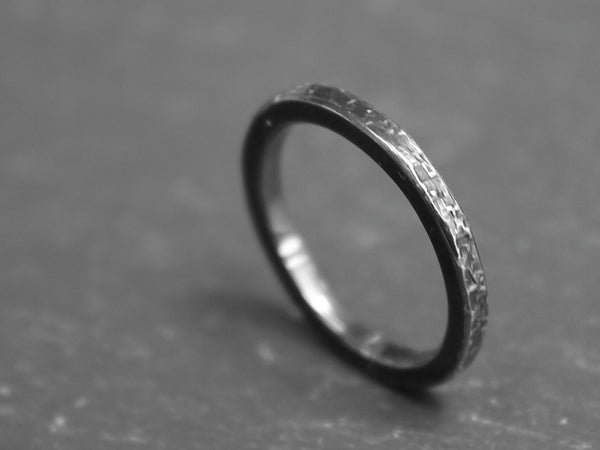 Dune ring Oxidised 2mm