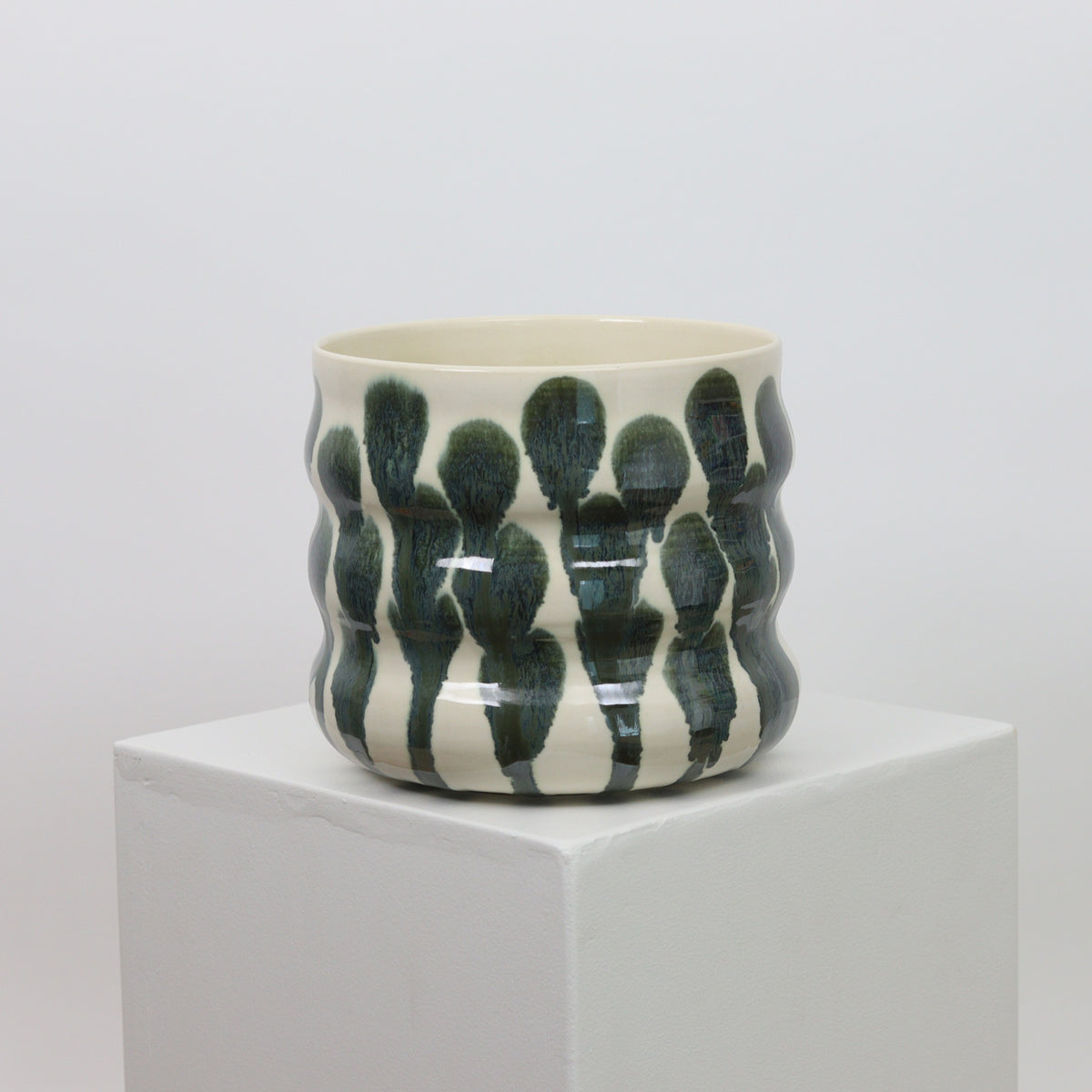 21093 - White with Metallic Accents - Squiggle Planter