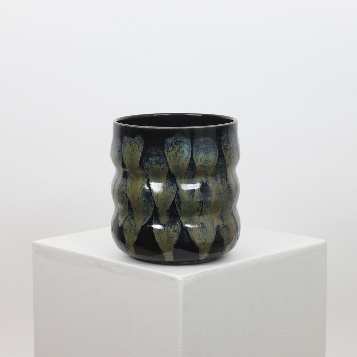 21096 - Black with Metallic Accents - Squiggle Planter