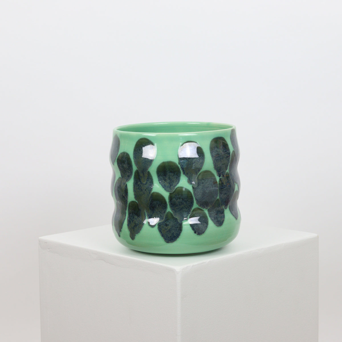 21099 - Mint with Drip Accents - Squiggle Planter
