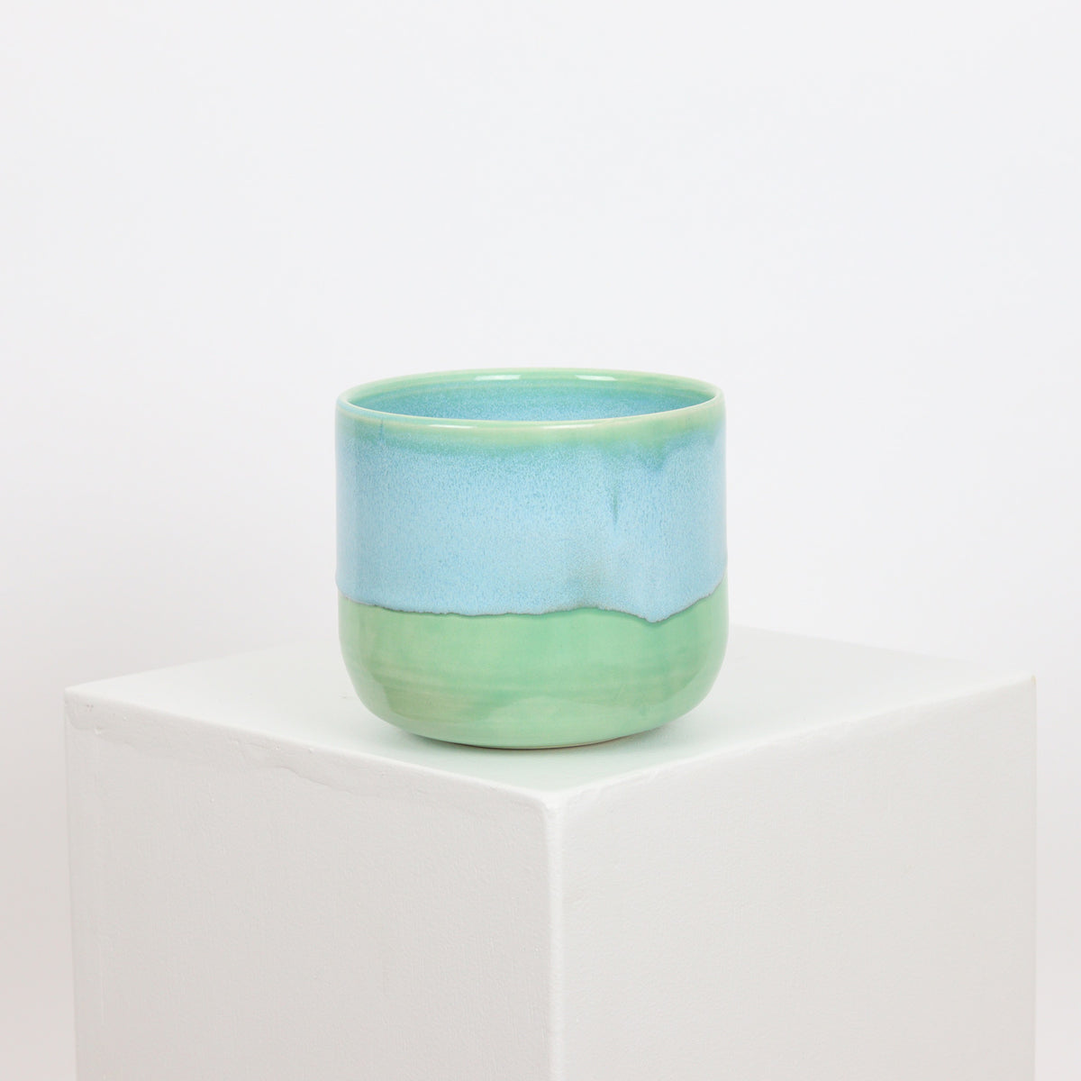 21102 - Mint with Blue Drip