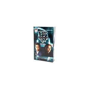 Vs System 2PCG The X Files Battles box front: Mulder and Scully from The X Files with a light blue background