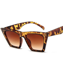 Load image into Gallery viewer, Black Oversized Sunglasses - ShopAndGo.Online