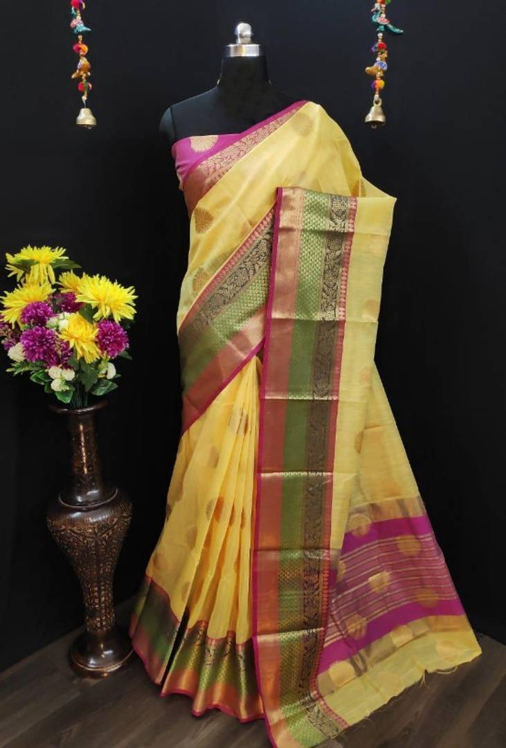 Beautiful Linen Blend Saree with Blouse piece