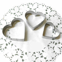 Load image into Gallery viewer, 0818 Heart Cake Ring Stainless Steel Cutter for Cake Set of 3 pieces heart shape (small medium and large)