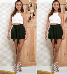 Explosions wooden ear A solid color casual lace shorts