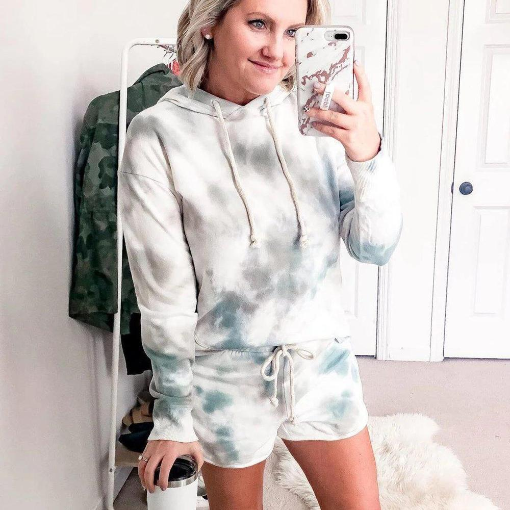 Spring/Summer 2020 Europe and the United States new home clothing casual two-piece set of women's summer Amazon long-sleeved shorts home set