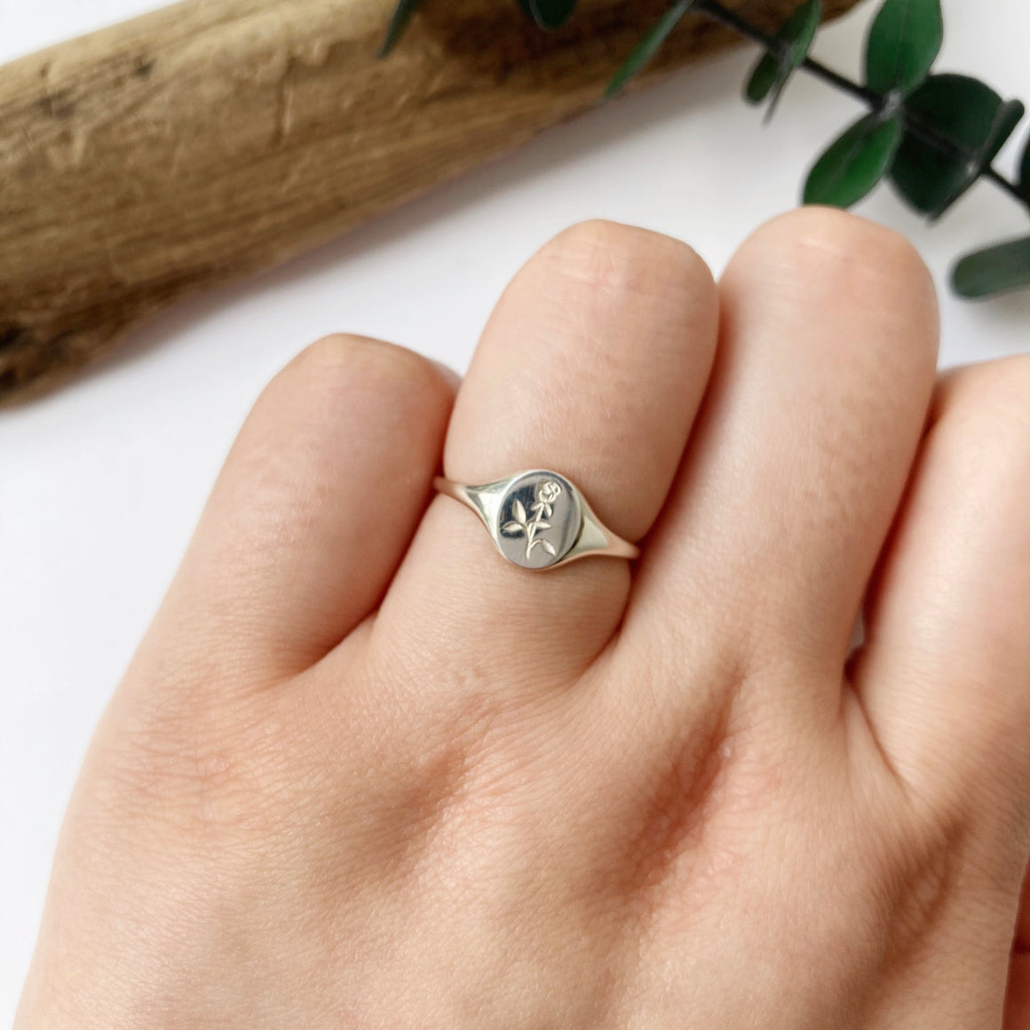 Rosebud Mini Signet - Silver | CLAUS JEWELRY
