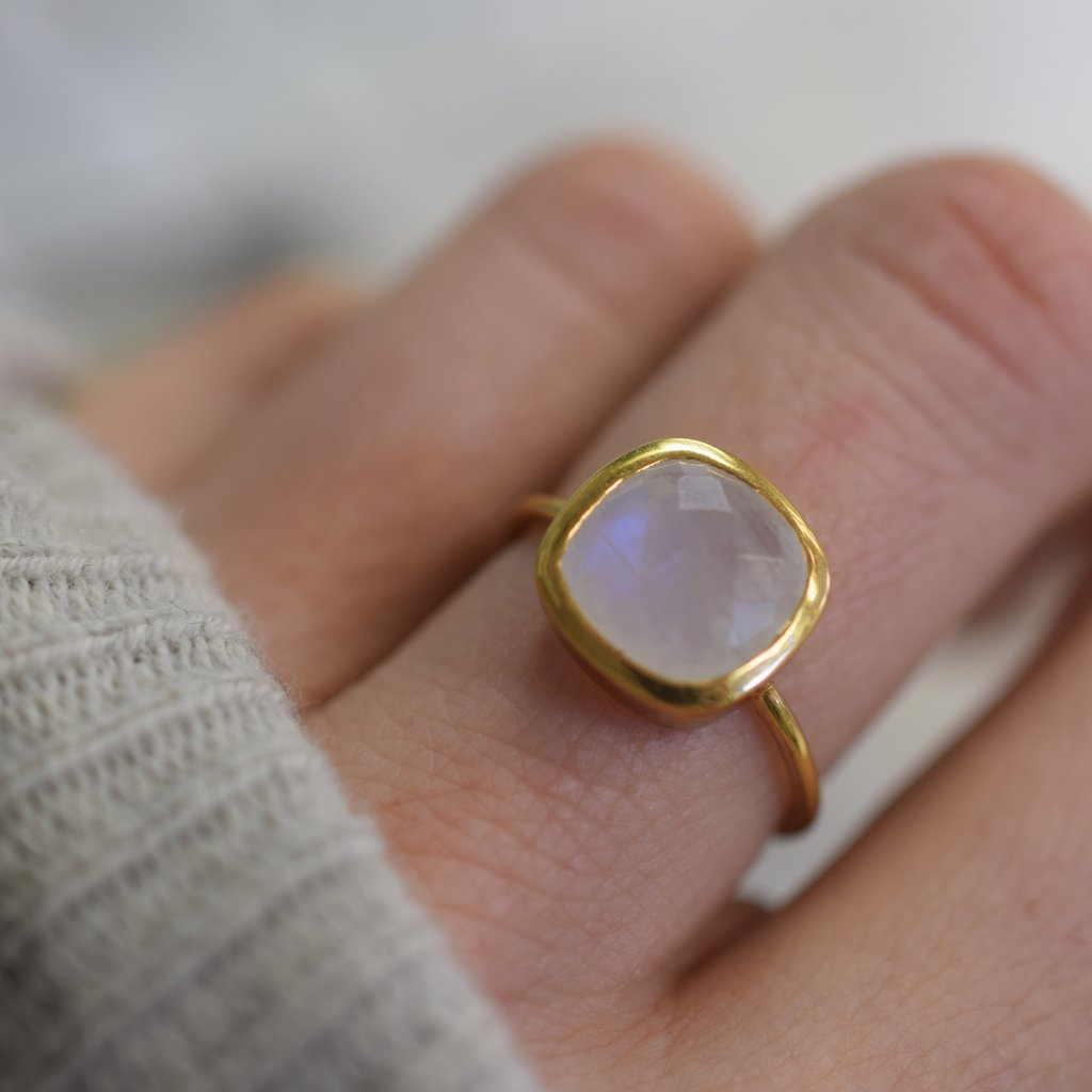 Rainbow Moonstone Eclipse Ring