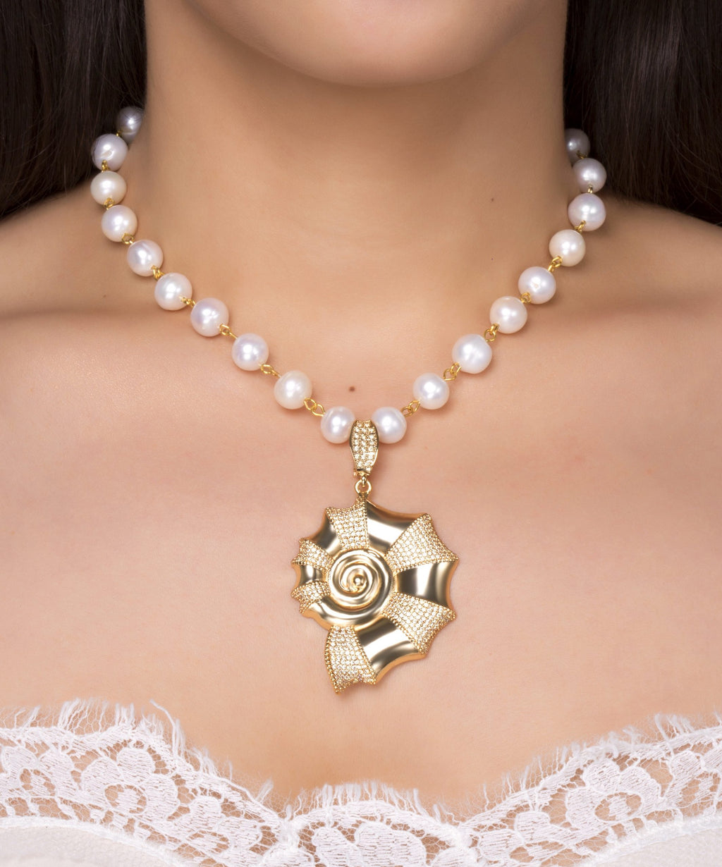 Moonshell Crystal Pearl Necklace