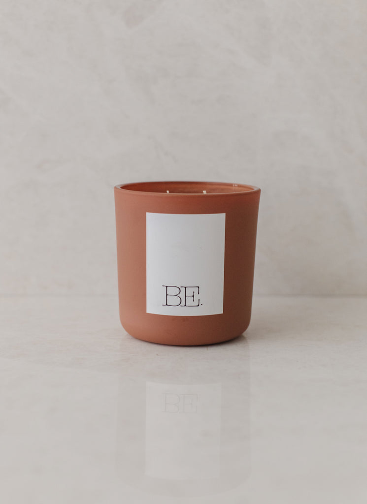 BE. LIGHT: SANTAL NO.26 VANILLA SANDALWOOD CANDLE, TERRACOTTA