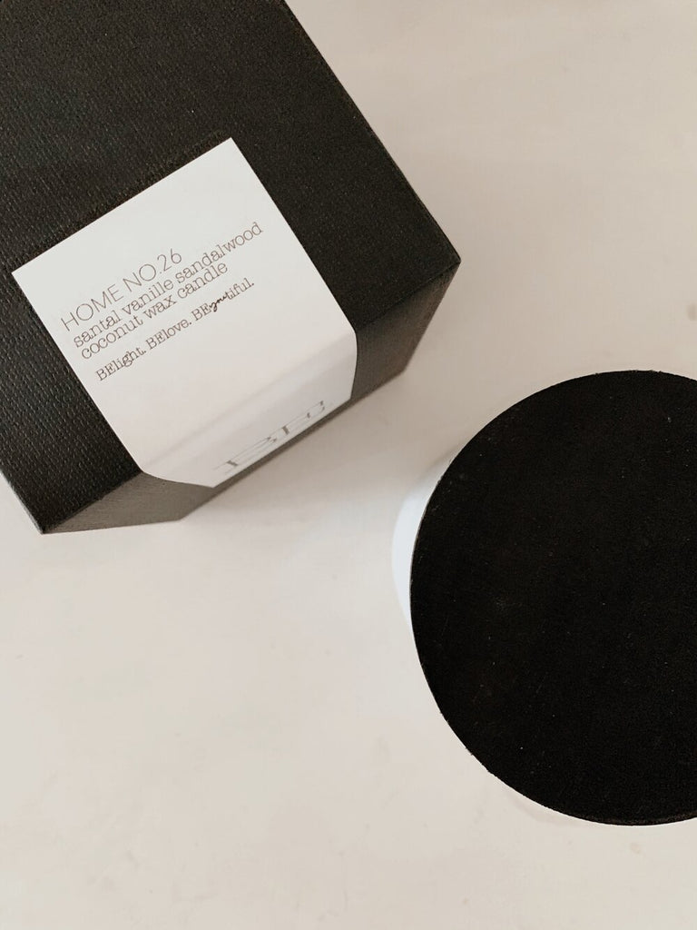 BE. LIGHT: Santal Vanille Sandalwood Candle - Matte Black