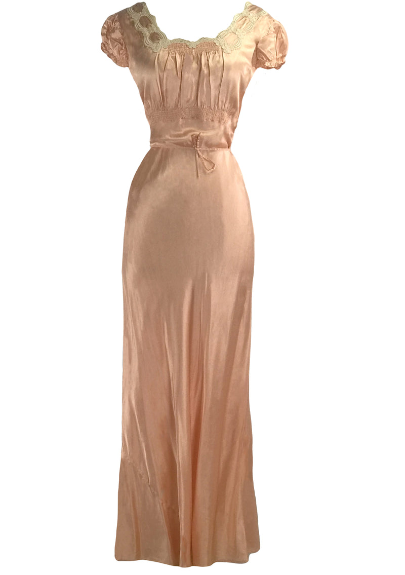 Lovely 1940s Peach Rayon Satin Nightdress- New!