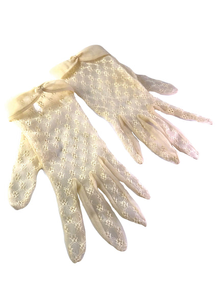 Vintage 1950s Cream Nylon Gloves - New!