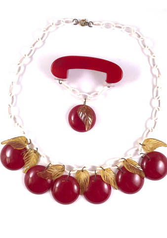 Vintage 1940s Bakelite Apple Necklace & Brooch Set - New!