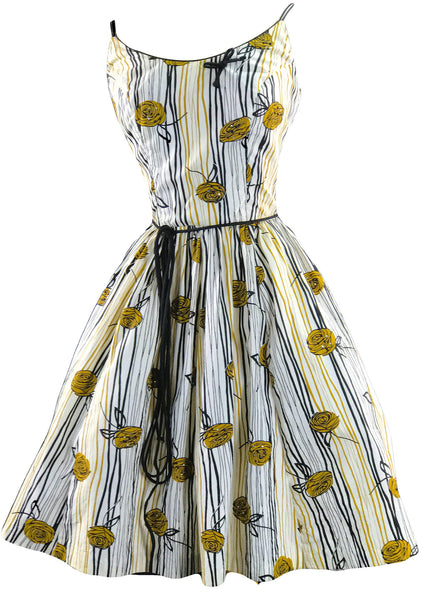 Late 1950s early 1960s Cotton Floral Art Print Sun Dress