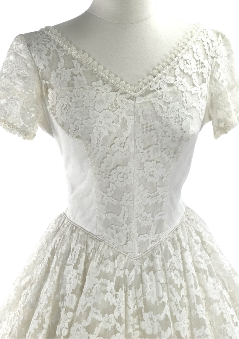 Original 1950s Ivory Lace and Tulle Wedding Dress