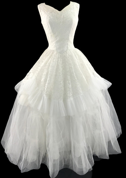 Vintage 1950s White Lace and Tulle Formal Wedding Gown - New ...