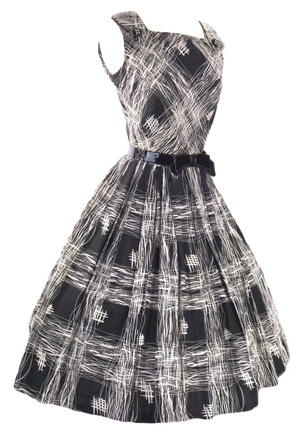 Vintage 1950s B&W Asian Print Cotton Dress - New!