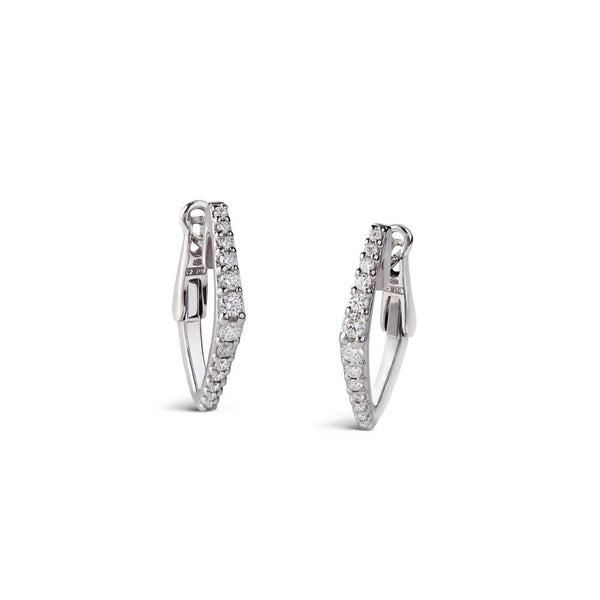 Earrings in 18 kt white gold set with diamonds