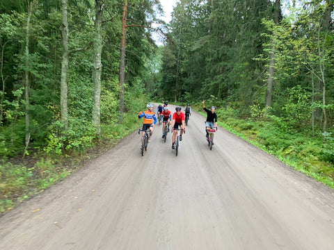Breakaway Gravel Tours - company and group rides excursion