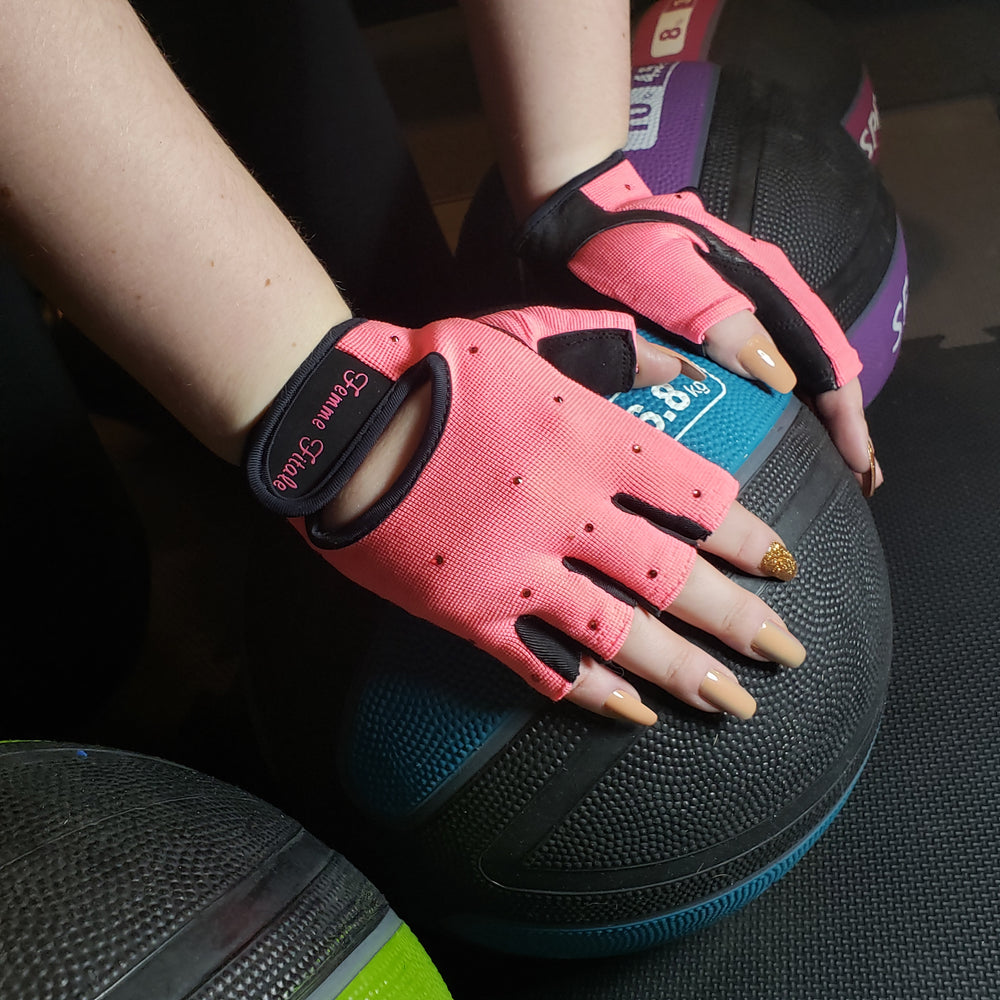 Load image into Gallery viewer, Coral Swarovski Crystal Embellished Fitness Gloves