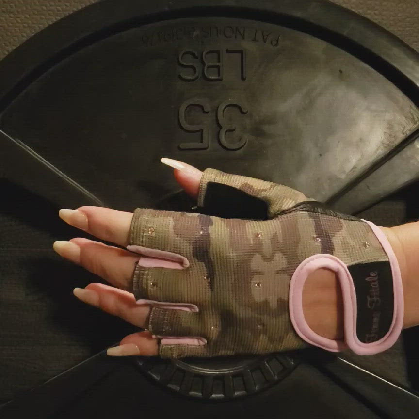Load and play video in Gallery viewer, Camo and Pink Swarovski Crystal Embellished Fitness Gloves