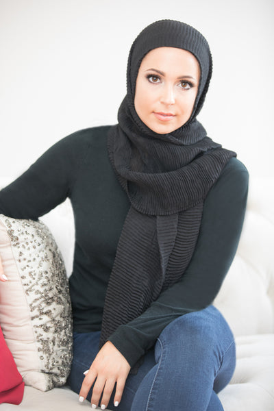 Pleated Light Hijab-Black