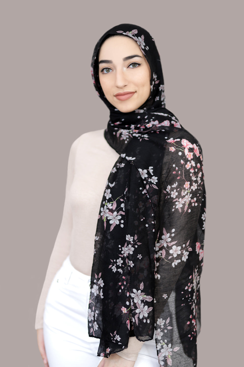 Field Of Dreams Light Hijab-Black