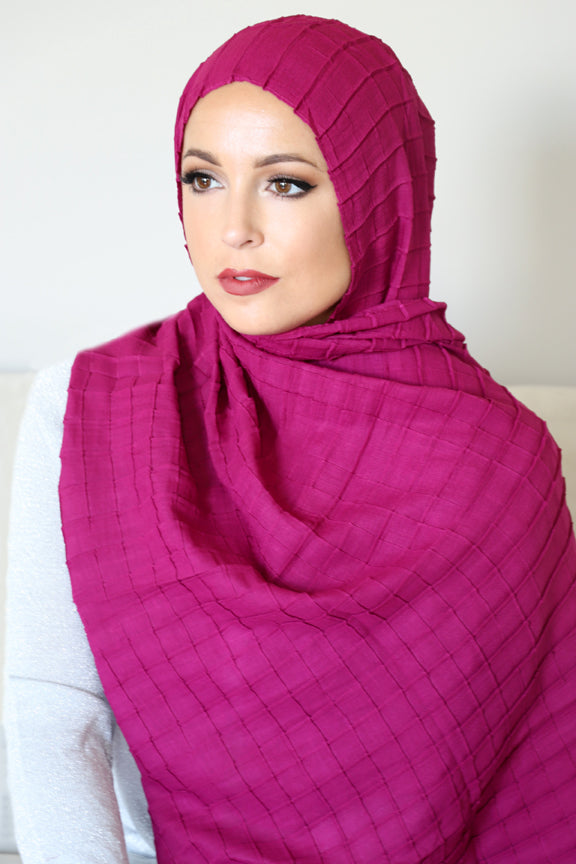 All Boxed Up Light Hijab-Magenta