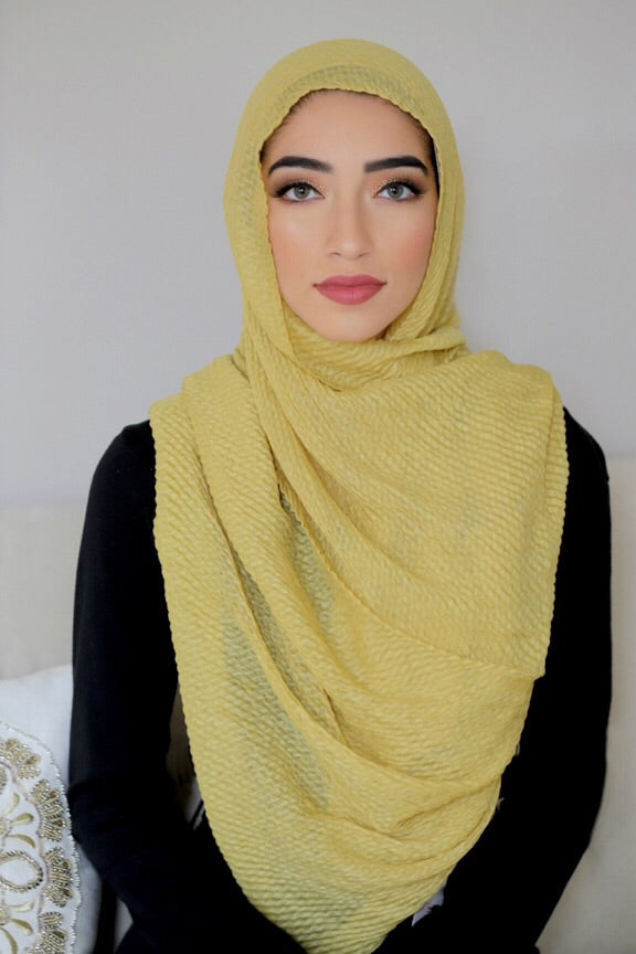 PLEATED LIGHT HIJAB-YELLOW