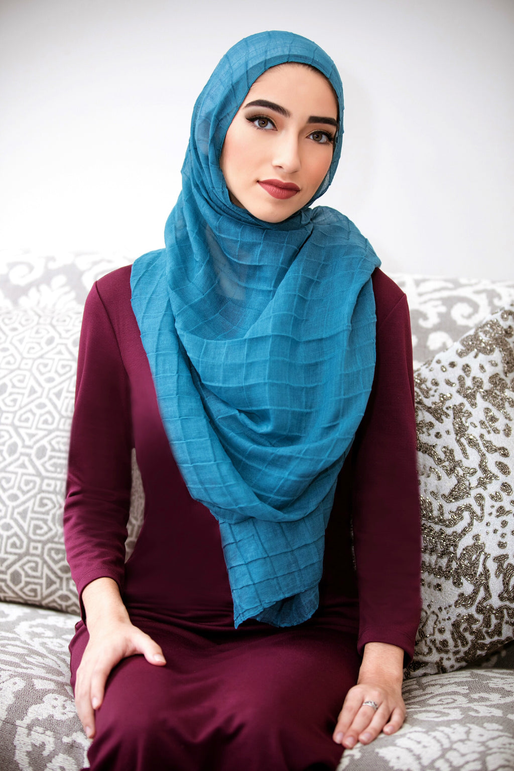 ALL BOXED UP LIGHT HIJAB-Turquoise