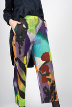 Load image into Gallery viewer, Pleated Ankle Length Trousers in Abstract Print